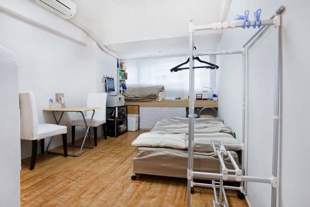 Shinsaibashi503 in Osaka https://www.airbnb.jp/rooms/2640567  It is a photograph of the room https://plus.google.com/u/0/photos/105073734923149789360/albums/5977239599615246401