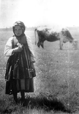 Girl from Lowicz  Narodowe Archiwum Cyfrowe