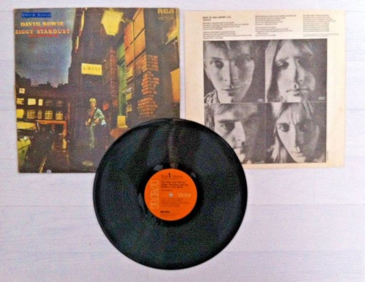 Vinyl LP David Bowie The Rise and Fall Ziggy Stardust and the Spiders from Mars.