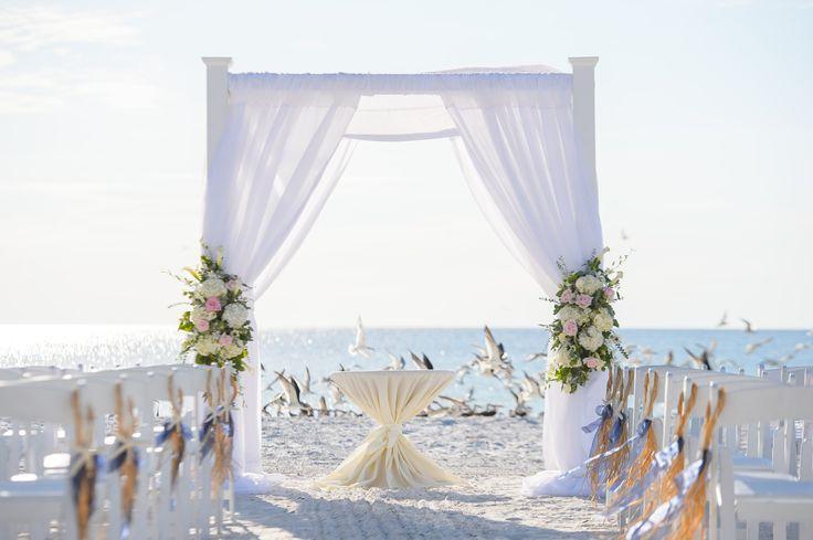 Chwilówka na organizację wesela - czy to dobry pomysł? - Bierzesz ślub? Organizujesz wesele? Chciałbyś, aby wszystko było dokładnie tak jak sobie wymarzysz? Pragniesz przeżyć naprawdę wyjątkowy dzień w gronie najbliższej rodziny i przyjaciół? Nie masz wystarczająco dużo gotówki? Jest rozwiązanie. Weź pożyczkę! Wybierając dobrego pożyczkodawcę naprawdę... - https://slubi.pl/blog/chwilowka-organizacje-wesela-dobry-pomysl/