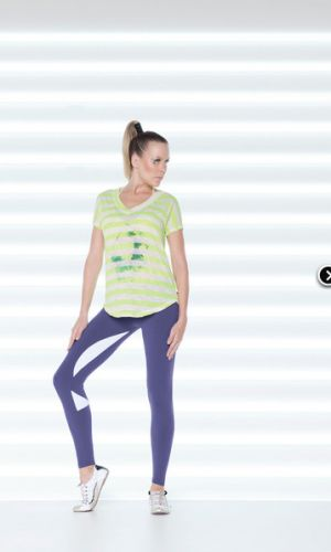 Slim fit leggings in black and hot pink. Wide and mid rise waistband gives great comfort and support. Ultra stretch SUPPLEX Lycra® fabric takes away sweat to help keep you dry and comfortable. http://divineyou.co.nz/product/pensilvania-leggings/