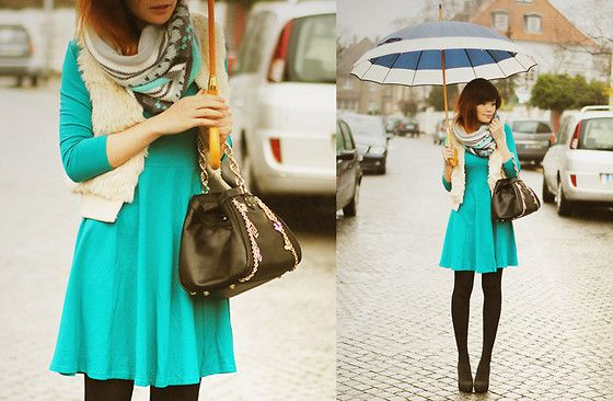 This beautiful pop of teal can brighten any rainy day!
