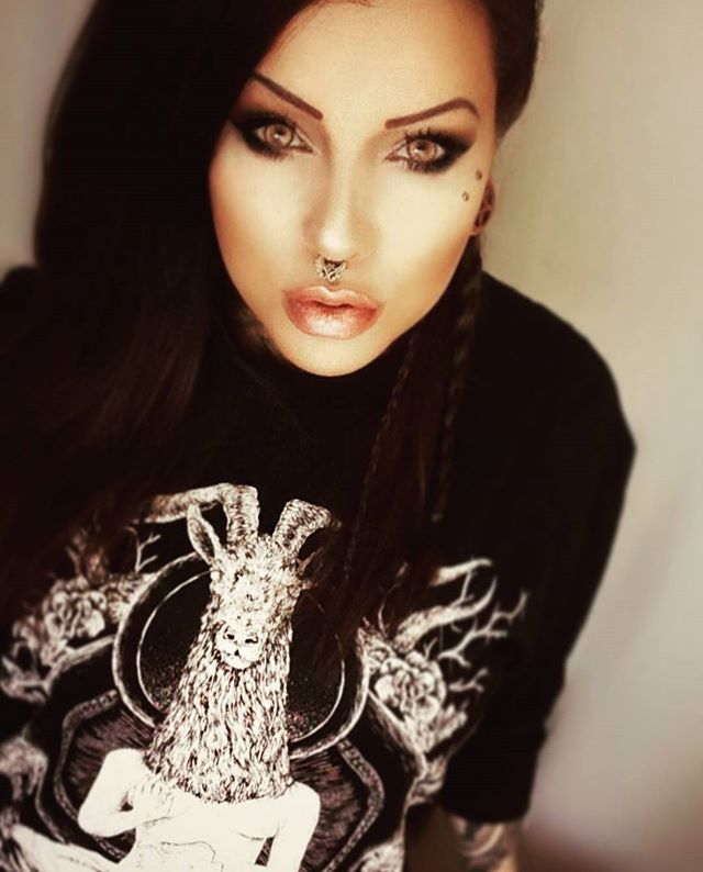 "CRMC X @vividblackartistry ""TEM.ple O.mnium H.ominum P.ads AB.ba"" Longsleeve Tall Tee Available at www.crmc-clothing.co.uk 