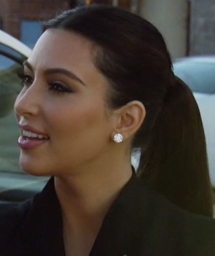 Kim Kardashian S Large Diamond Stud Earrings From Keeping Up With The Kardashians Momager Dearest Theshows Curvio Best Day Of My Life In 2018