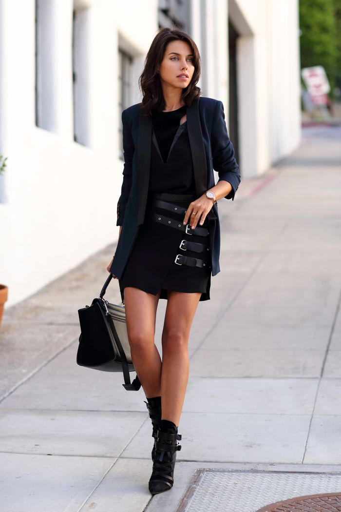 boots with all black outfit