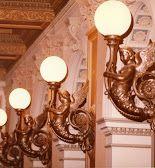 Escultura de ángeles lámpara en la Ópera de Frankfurt