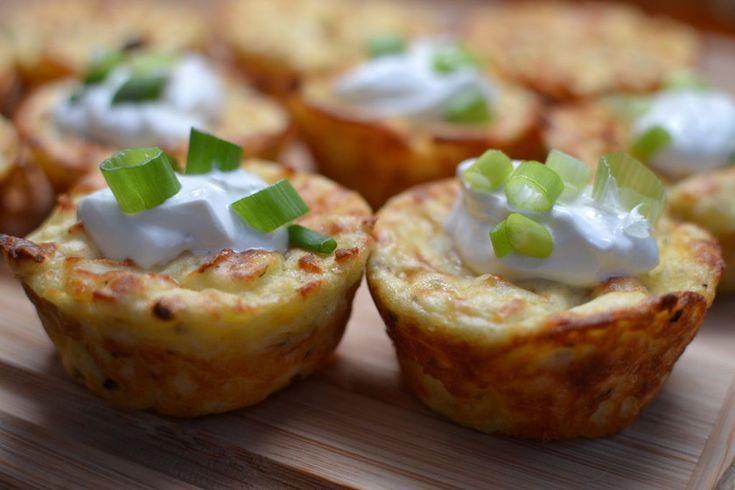 Muffinsütőben sütve még az egyszerű krumplipüré is sokkal finomabb és étvágygerjesztőbb lesz.