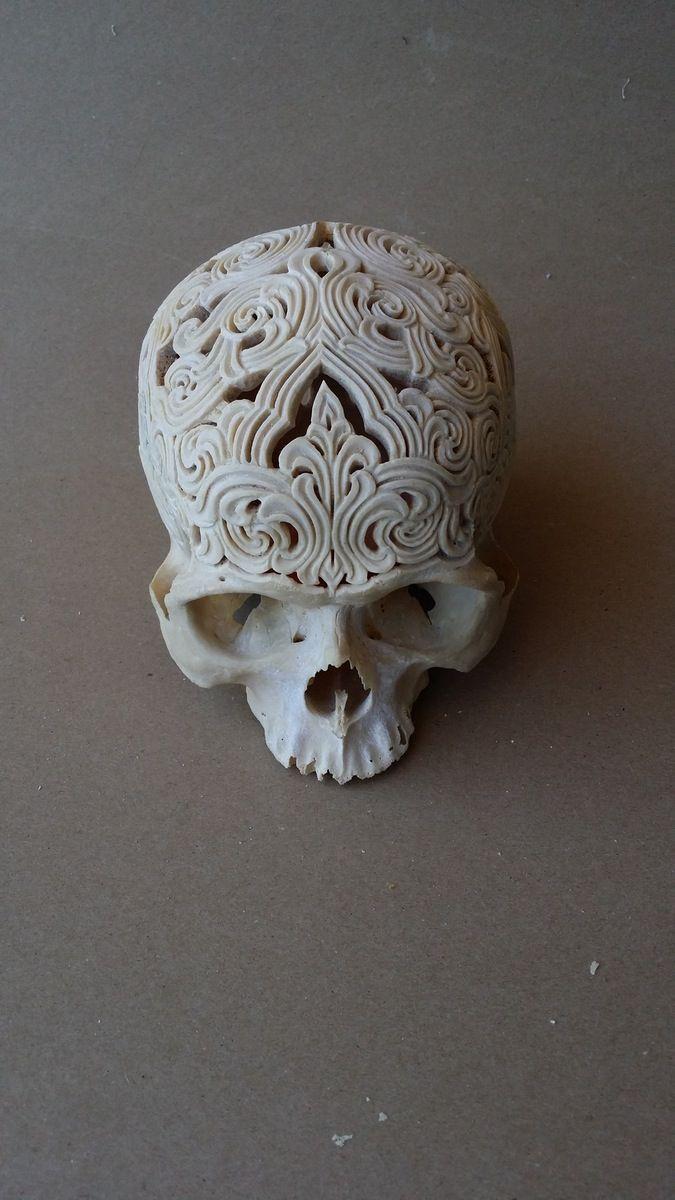 Carved human skull / Rachel Lee Art