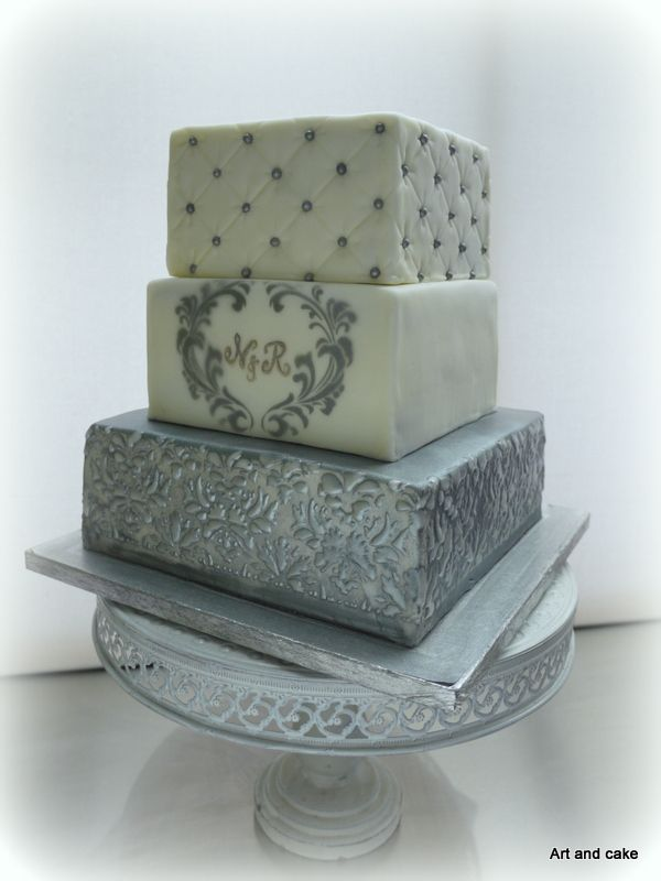 Wedding cake/taart wit zilver. Made by Art and cake