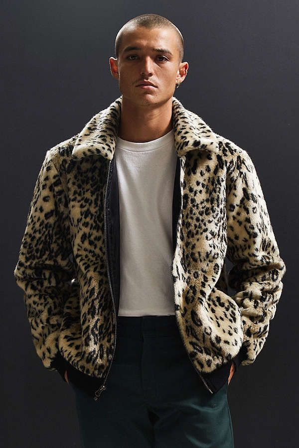 Slide View: 1: UO Faux Fur Bomber Jacket