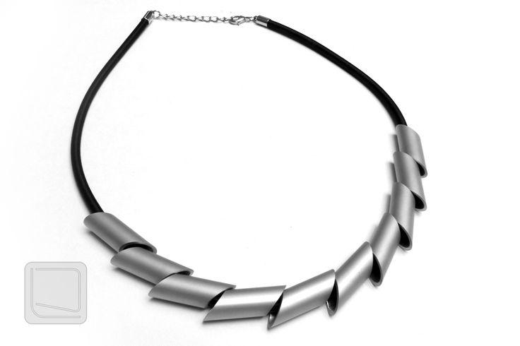 Originální+moderní+náhrdelník+Moderní+náhrdelník+s+originálním+minimalistickým+designem,+pro+každého+kdo+hledá+něco+jedinečného