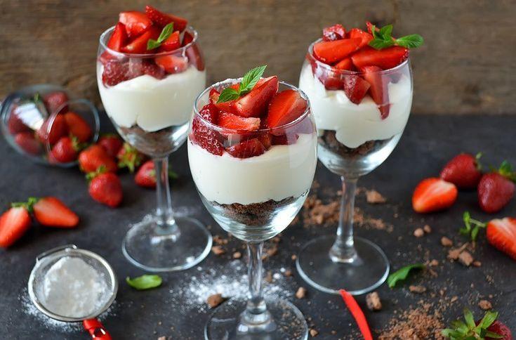 Facebook Pinterest Print EmailHvis du får uventet gæster eller blot gerne vil lave en hurtig dessert, så er denne cheesecake simpel, hurtig og nem. Så kan du lynhurtig tilbyde dine gæster en lækker dessert:) Ingredienser (ca. 6 portioner): 3 dl…