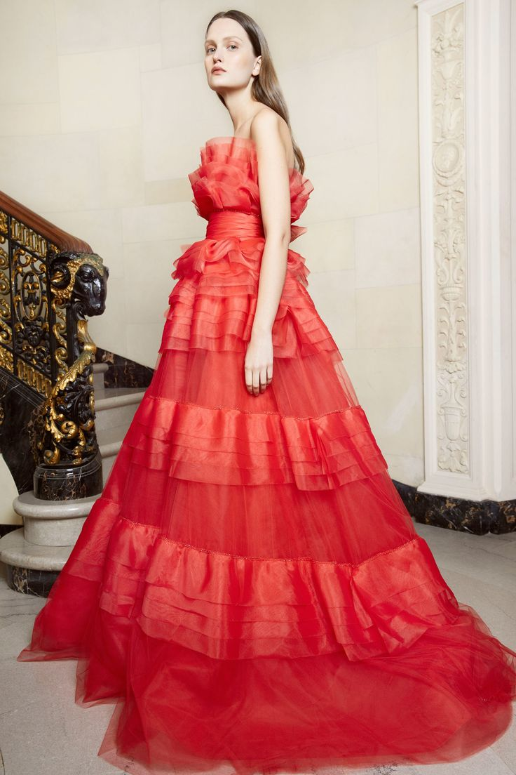 Monique Lhuillier Fall 2018 Ready-to-Wear Collection - Vogue