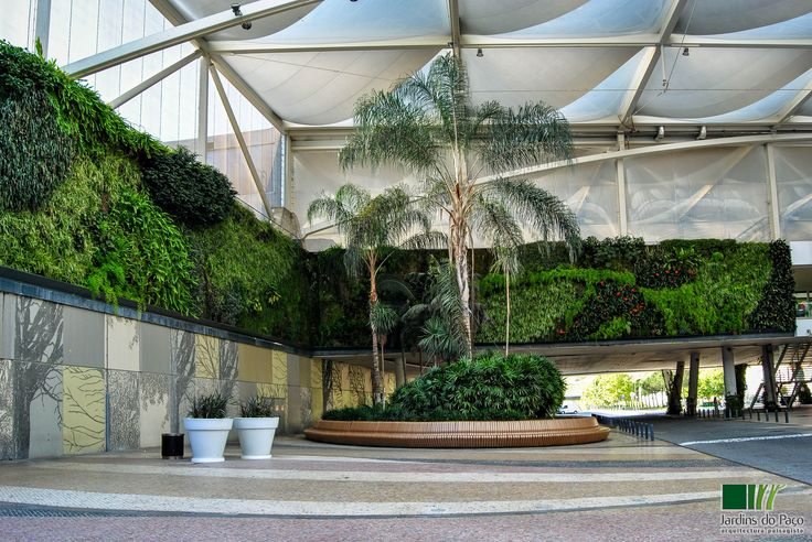 Dolce Vita Tejo Shopping Center - Vertical Garden