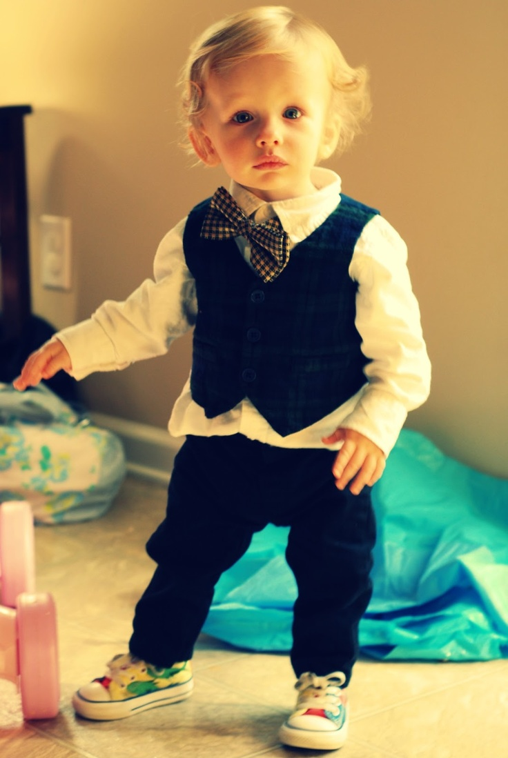 little boy style: Love the bow tie