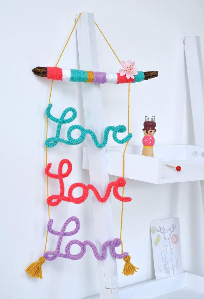 Un totem Love pour les ados .... Pour ma part j'utilise un tricotin mécanique!