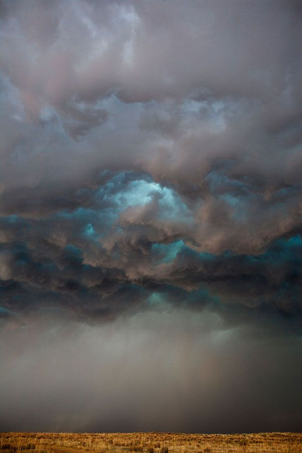 Storm chasing photographer captures stunning images of extreme weather http://www.invigor8teasaus.com.au/