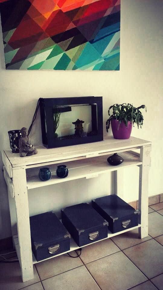 Pallet Entryway Table {Foyer Table}   101 Pallet Ideas