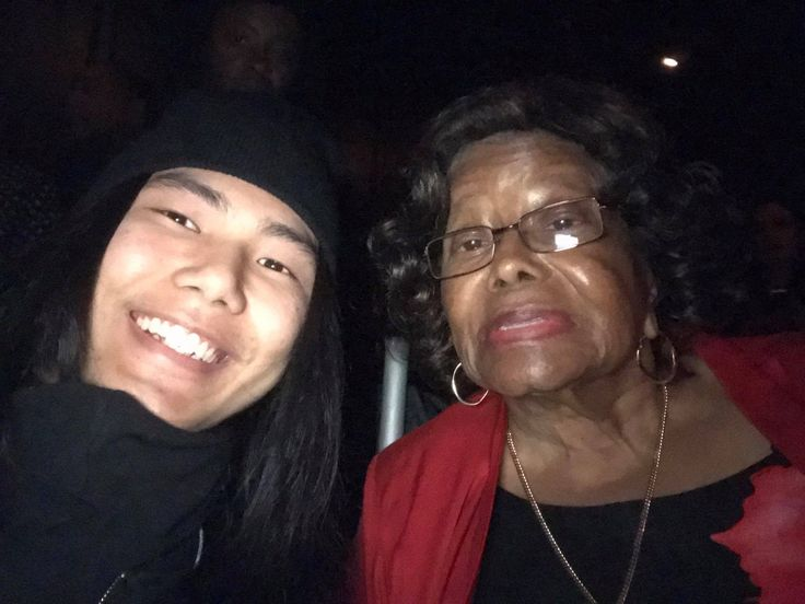 This photo has touched my heart 💞 #HidenoriIshige @hidenojijapan met Mrs Katherin Jackson✔️  more on his FB/IG page https://www.facebook.com/heal.the.world.sho.love https://www.instagram.com/hidenori0429/ Michael Jackson #MichaelJackson #katherinjackson #mj #dream #myedit