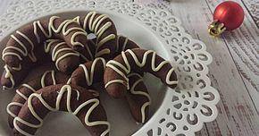 Mennyei Kávés kiflik recept! Egyik kedvenc karácsonyi aprósütink, nem tudjuk megunni! :) Próbáljátok ki Ti is!