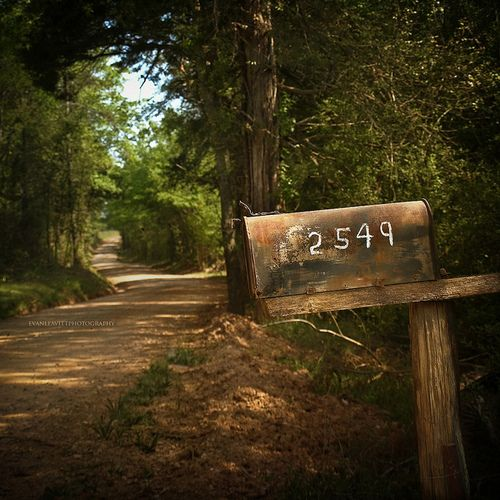 country road: Dreams Home, Country Roads, Country Living, Rural Mailbox, Country Home, Rural Route, Country Life, Dirt Roads, Mail Boxes