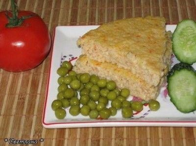 Суфле из отварной рыбы (меню Д/с) Нам понадобится:  Любое рыбное филе - 350-400 гр  1 крупное яйцо  1-2 ч.л муки для соуса  100 мл. молока, либо сливок для соуса  50 мл. воды для тушения рыбы, либо молока  Соль по вкусу  1 ч.л слив. масла, если вы делаете на молоке  Мелко-порезанные или тертые овощи по желанию - немножко - пару ст.ложек( в оригинальном рецепте их нет)  Панировка - 2 ст.л или кусок хлеба по желанию, для большей плотности суфле, особенно если добавляются овощи.