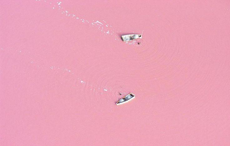 Pink Retba Ozer, Senegal