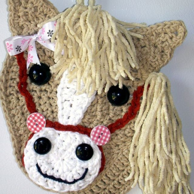Free Crochet Pattern For Horse Hat : 1000+ images about Crochet Applique (Corona) on Pinterest ...