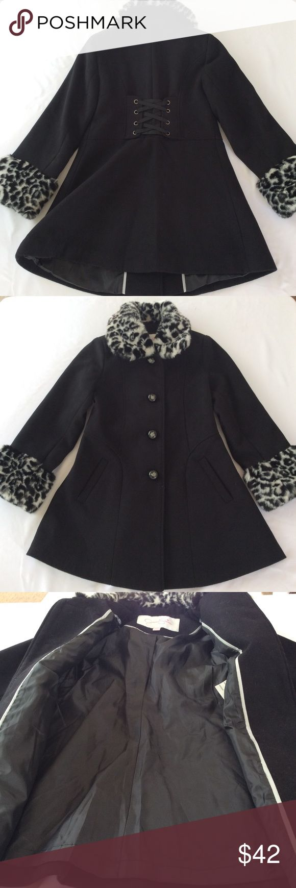 Jessica Simpson Girls Peacoat Coat Jacket 7/8 In excellent preowned condition Jessica Simpson Jackets & Coats