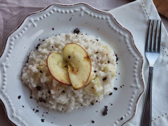 Ricetta Risotto alla mela e brie con scaglie di cioccolato