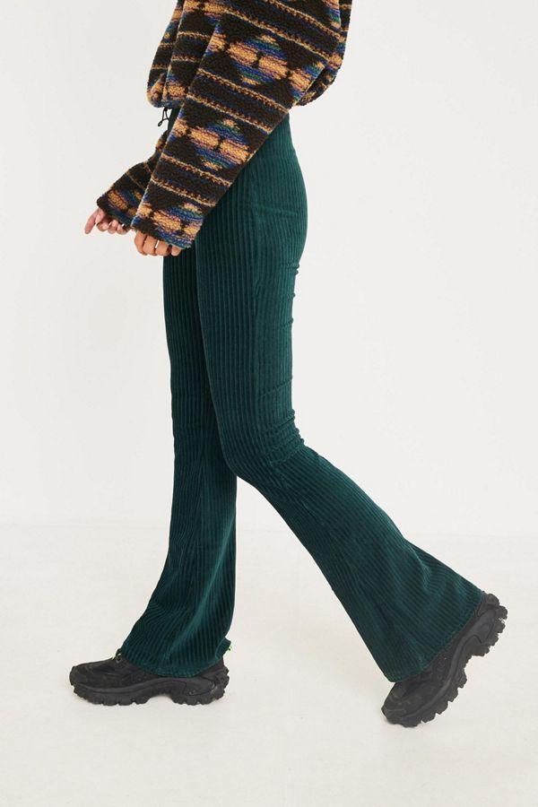 67daea40c UO Dark Green Velvet Flare Pant | Things to Wear | Velvet flare ...