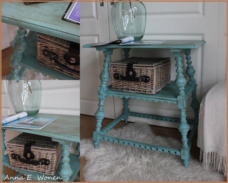 Oud Brocante tafeltje gerestyled in Provence groen/blauw   Afgewerkt met bruine was...  door Anna E  Wonen