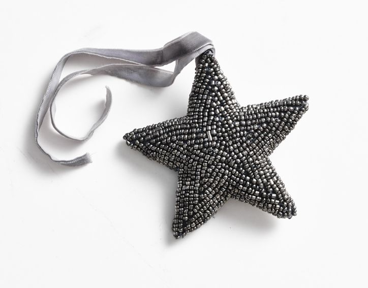 Christmas decorations! Beautiful handmade star in silver-gray, with a velvet ribbon.  (small beat star, 10 cm). Buy at www.thetravellingband.dk