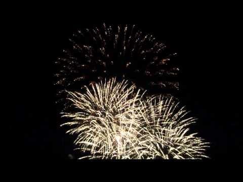 Feuerwerk mit Musik im Schlosspark Ludwigsburg, jedes Jahr am ersten Samstag im Juli (7. Juli 2012) - ökonomisch ein Wahnsinn, aber immer wieder sehr sehr schön.