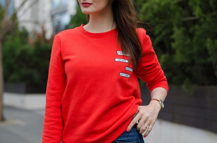 Red Sweatshirt / Tommy Hilfiger Jeans / Collect adventures not things / Brunette / Streetstyle   www.cristinafeather.com