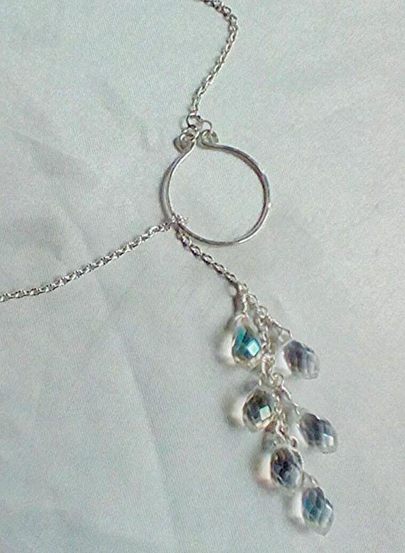 Collar de lazo de cristal, en forma de y collar, collar de fiesta, collar de plata lazo, regalo de aniversario, lazo de cristal claro, lazo plata. Collar de lazo de cristal de claro AB. Un bonito regalo para ella. El anillo es totalmente hecho a mano de alambre calibre 16 plata llena