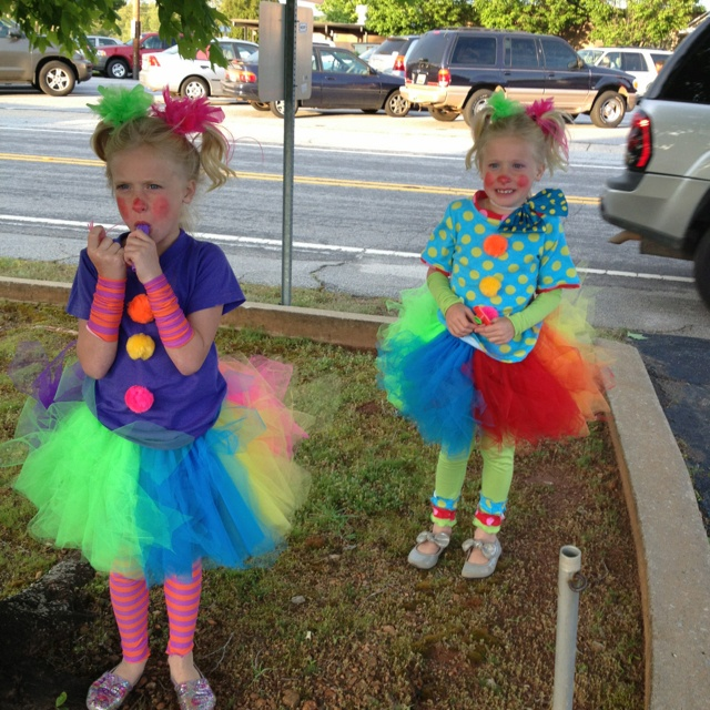 Clown Costume. Cute and easy shirts