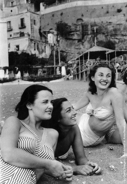 Italy / U.K. 18-year old London student Mercy Haystead on holiday in Italy as an official guest of the town of Positano, Campania, September 24th 1949 // Photo by Bert Hardy/Picture Post/Getty Images.