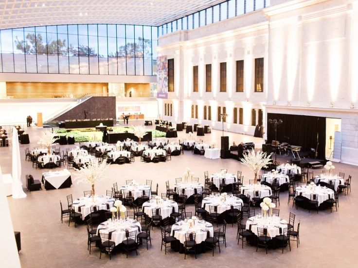 Cleveland Museum of Art wedding // photo by Lauren Gabrielle Photography