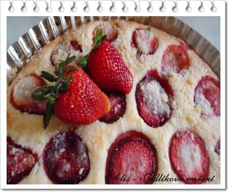 Jedlíkovo vaření: Rychlý jahodový koláč  #jahody #strawberies #dezert #cake #kolac