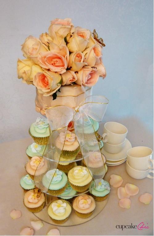 so pretty: Shower Ideas, Decor Ideas, Cupcakes Ideas, Cupcakes Galor, Cupcakes Way Beautiful, Wedding Cupcakes, Cupcake Ideas, Parties Ideas, Shower Bachlorett Ideas