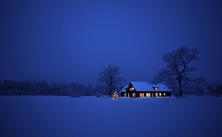 http://randomwallpapers.net/winter-night-christmas-house-snow-2560x1600-wallpaper212967.jpg