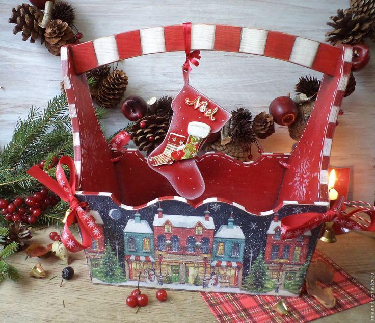 """Купить """"Праздник к нам приходит!"""" праздничная новогодняя корзина - ярко-красный, корзина для подарков, корзина"""