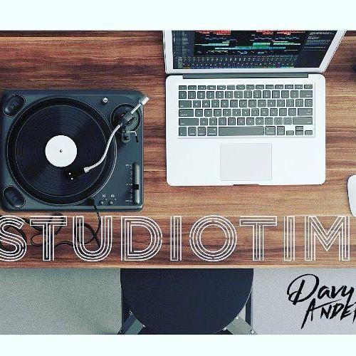 Studio Time  #manager #bestof #anderslife #friends  #music #musique #artist #artiste #producer #scene  #like4like #likeforfollow #likeforlike #like4follow #picday #pictureoftheday #picture  #ontheblog #lifestyle #lifestyleblog #creativelife #blog #frenchblogger