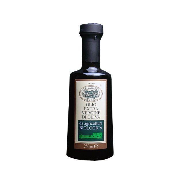 若草の香り高いサンジュリアーノのオリーブオイルは、地中海の島「サルディニア」の滑らかな自然の産物です。そのエレガントな風味は世界中のトップシェフの調理に活用されています。オーガニックオリーブオイルコンテスト1位。内容量 250ml(229g)原産国名 イタリア サルディニア州原材料名 有機食用オリーブ油保存方法 直射日光を避けてできるだけ涼しい所に保存してください。