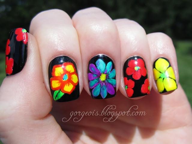 love flowers: Summer Flowers, Nails Art, Nails Design, Flowers Power, Nails Polish, Flowers Nails, Flowers Design, Little Flowers, Tropical Flowers