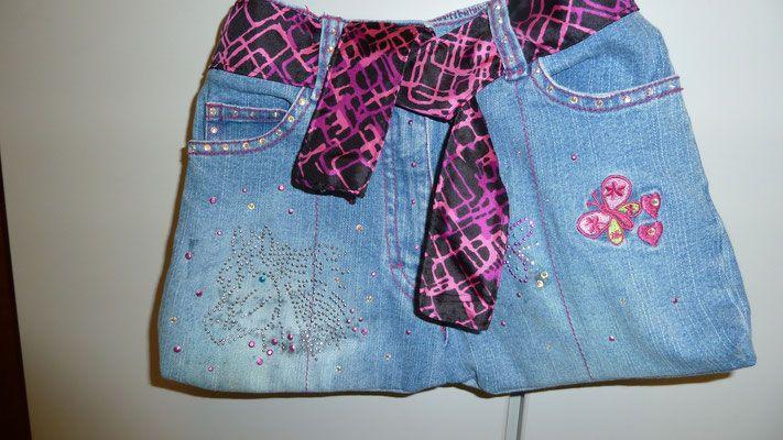 Tasche aus alter Jeans mit Aplikation