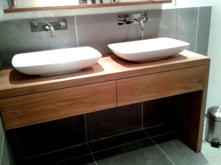 de Steigeraar :: Eiken badkamermeubel met laden