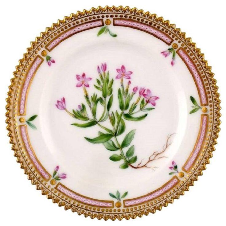 Dating royal copenhagen porcelain