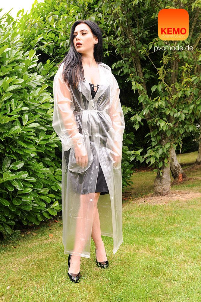 """Hey Raincoat Girl ! Zeitloser Look für graue regnerische Tage, langer PVC Regenmantel in 120 micron weicher PVC Folie """"natur"""" farblos by http://www.kemo-cyberfashion.de"""